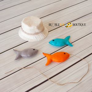 Newborn fishing hat with 3 coloured felt fish photo prop set