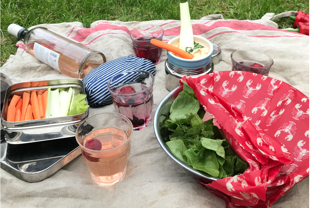 Picnic with less plastic