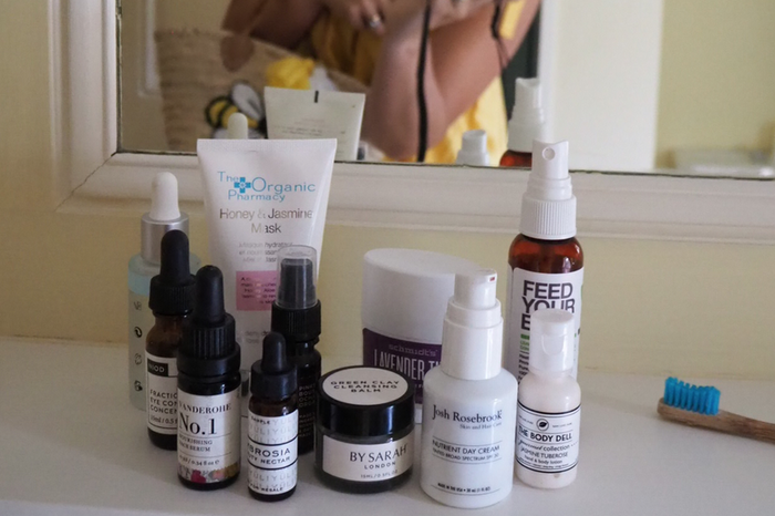 Capsule Skincare to go: Under 100 ml essentials for glowing holiday skin