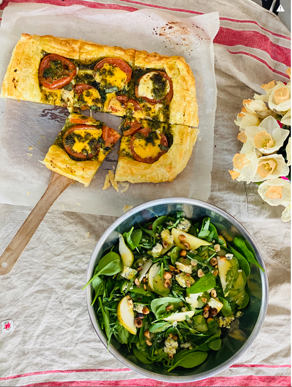 Lazy Lockdown Lunching: Pesto Pizza & Pear, Hazelnut & Spinach Salad