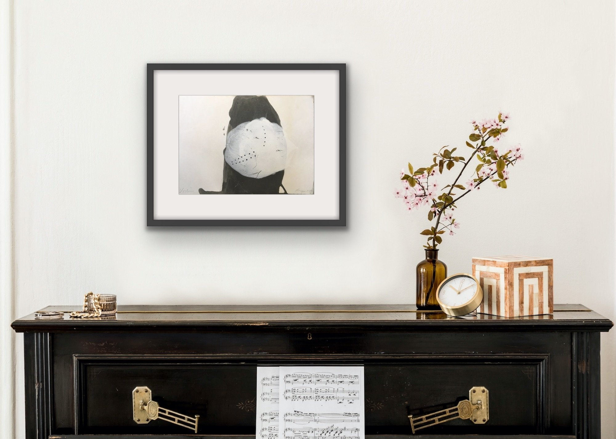 'Urchin', a minimalist painting by contemporary, woman artist Frances Gynn, shown in situ