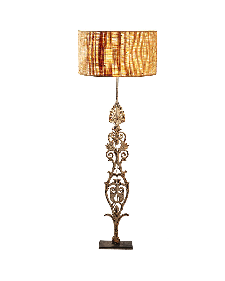 White iron baluster lamp