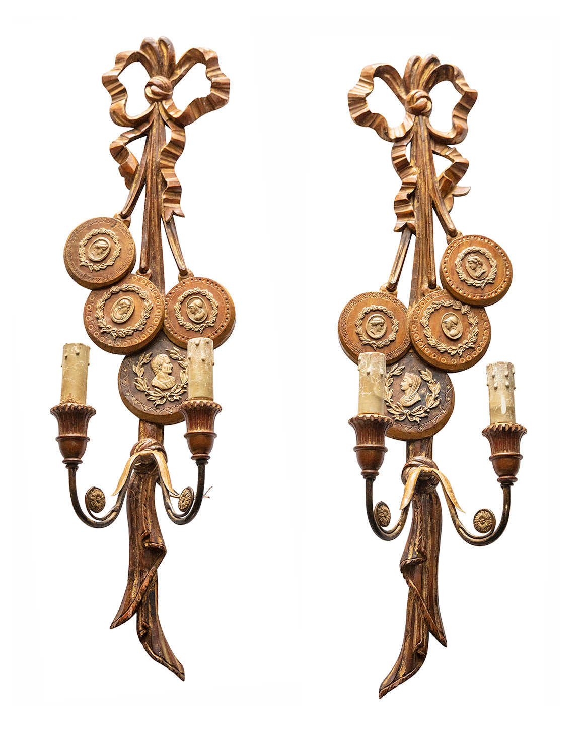 Pair of sconces in wood and pastiglia. Italy. XXth century