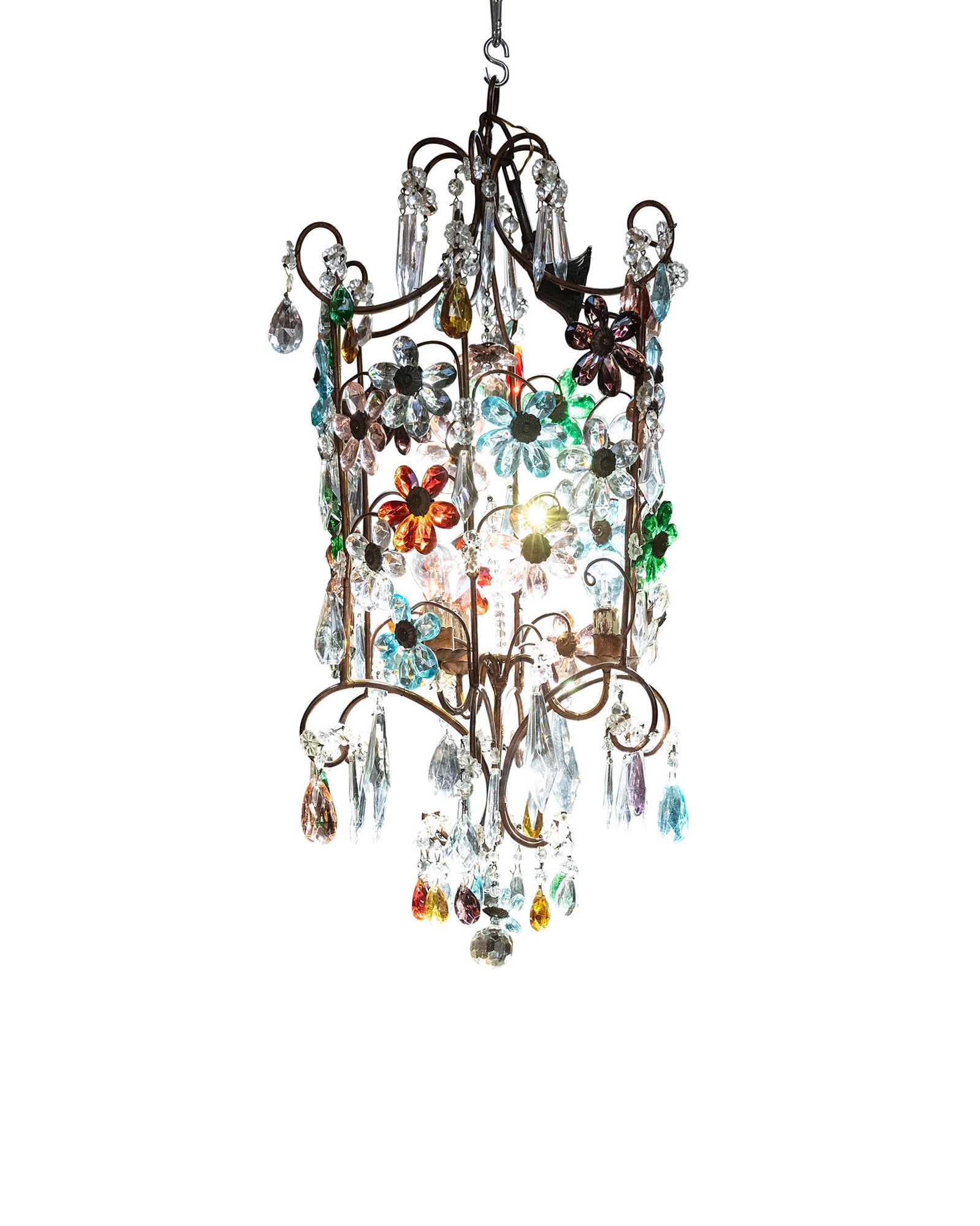 Chandelier with golden structure and crystal flowers in various colors