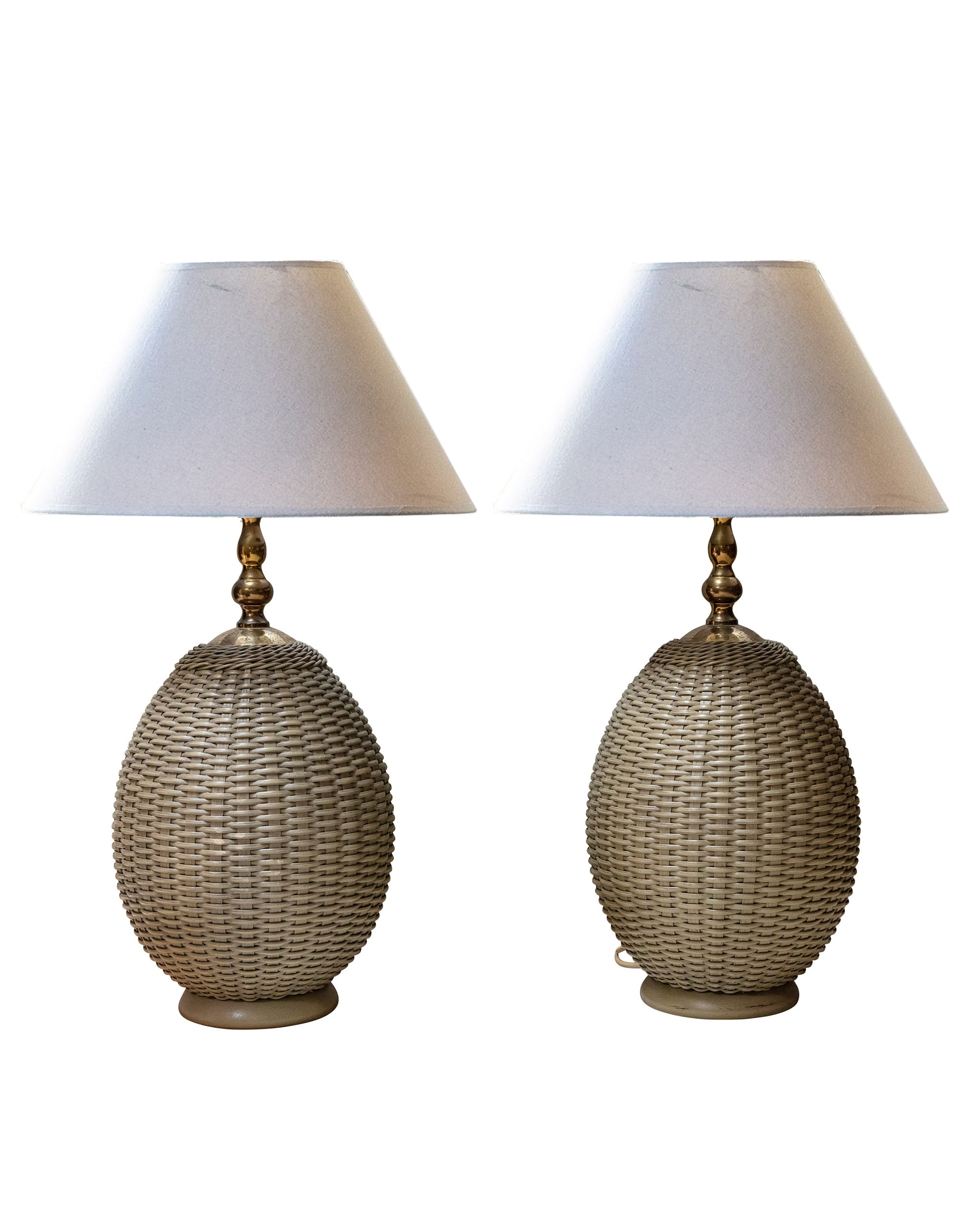 Pair of gray wicker lamps