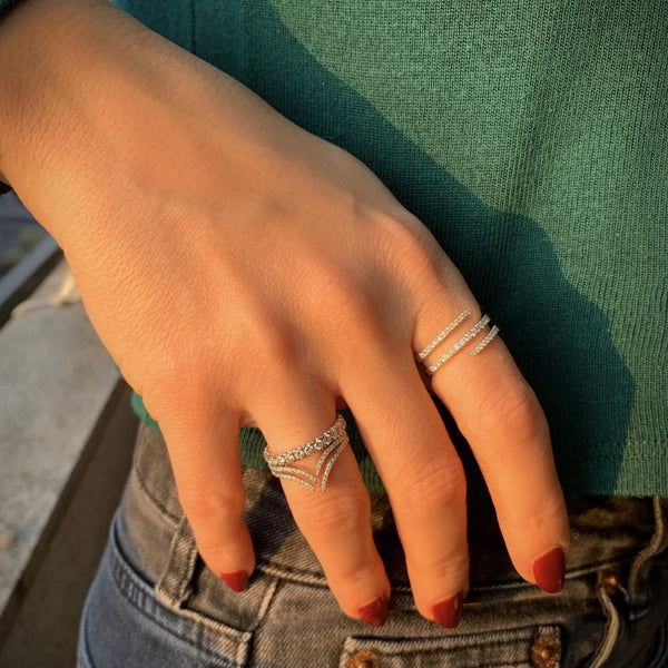 Gorgeous ring to wear on your index or middle finger! the ribbon ring is a piece that cannot go unnoticed. Carat Weight: ~1carat. Available in yellow, white and rose 18k gold.