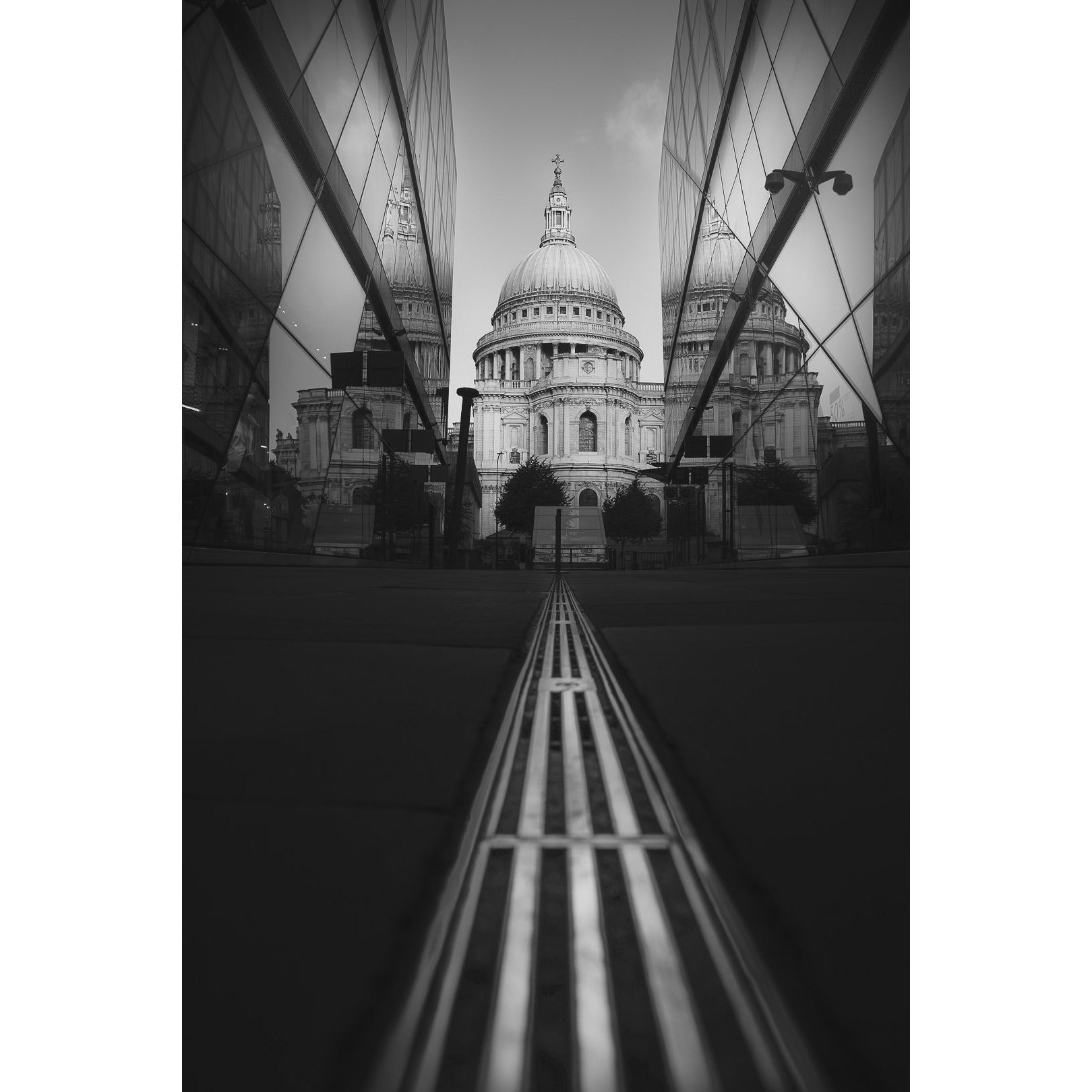 St. Paul's Cathedral. Limited Edition Black & White.