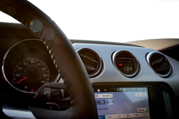 P3 Gauges Vent Integrated Multi Gauge - Ford Mustang 2015+