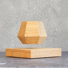Load image into Gallery viewer, Levitating Pot Classic Oak