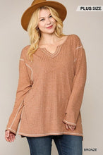 Load image into Gallery viewer, Two-tone Ribbed Tunic Top With Side Slits