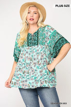Load image into Gallery viewer, Floral Print Lace Up Flutter Sleeve Top