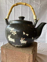 Load image into Gallery viewer, Bamboo Handle Teapot