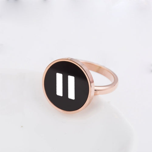 Round Black Hit Pause Ring