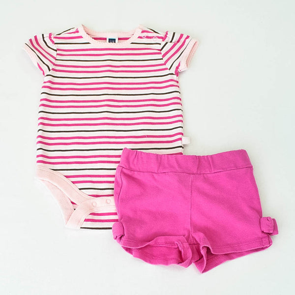 Baby Gap Onesie with Crazy 8 shorts~Gently-Used