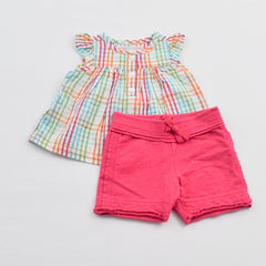Old Navy Top with Miniwear Casual Shorts ~ Like New, Like New ~ ,
