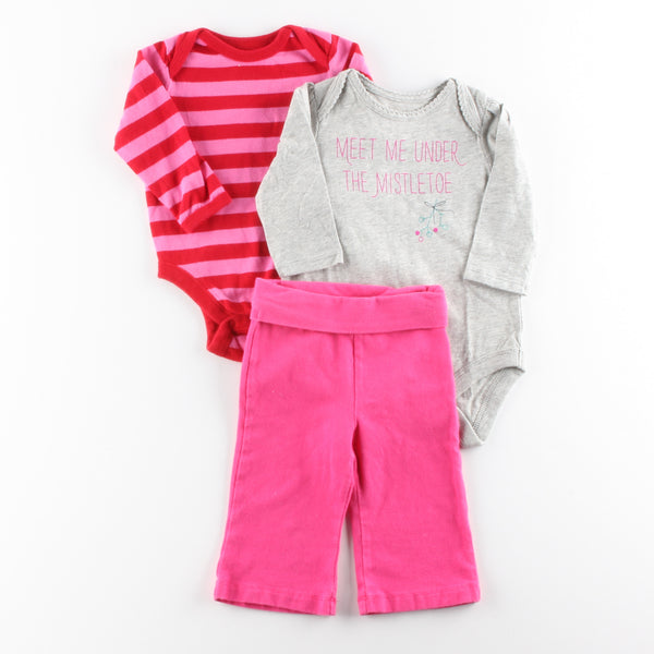 Old Navy Bodysuit with babyGap Bodysuit and Jumping Beans Pants  ~ Like New, New w/ Tags ~ babyGap Bodysuit is NWT