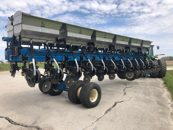 Kinze 60' Planter Frame With Dry Fertilizer Boxes