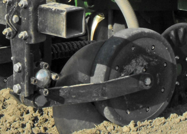 Yetter Nutrient Pro 4000 with Gauge Wheel