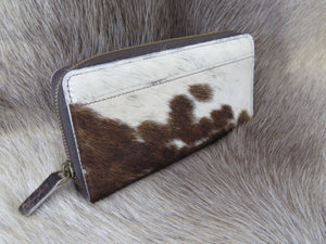 Coastal Cowhides Signature Wallet - Brown & White