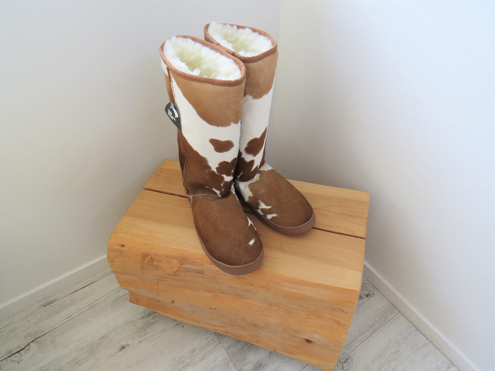 Load image into Gallery viewer, Calfskin Tall Boot - Tan & White