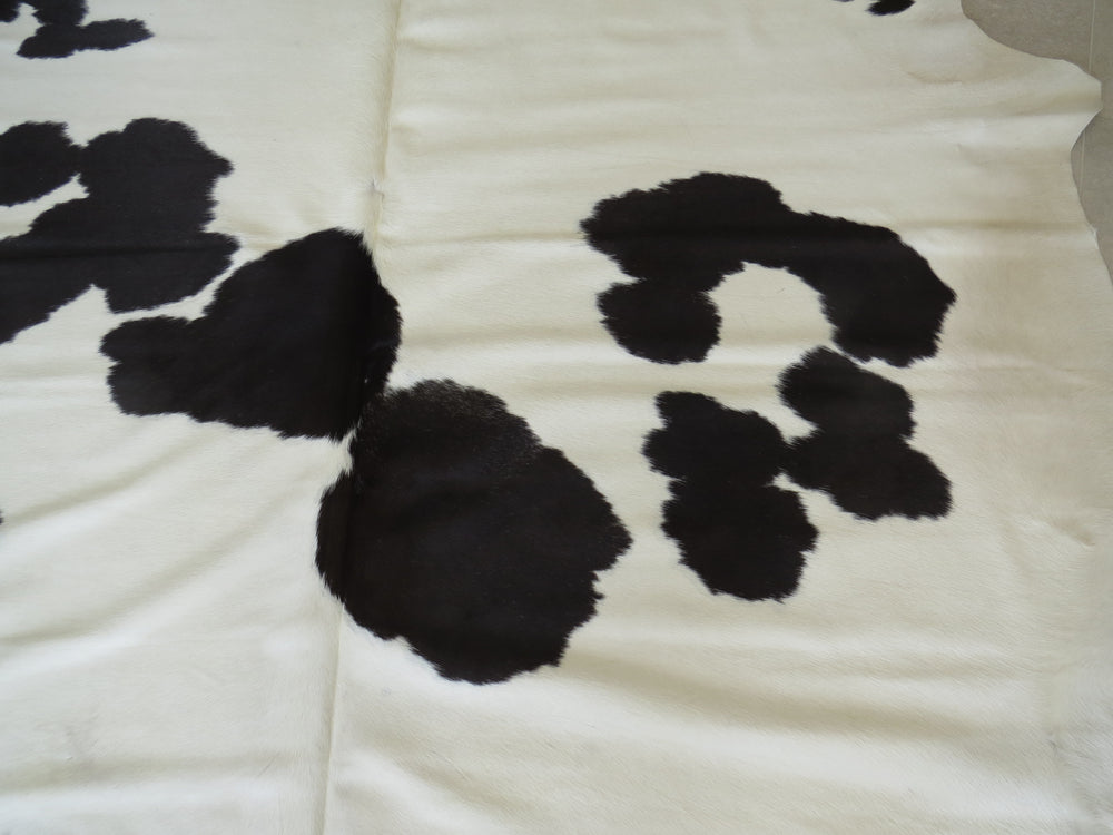 Load image into Gallery viewer, Super Cowhide Black & White
