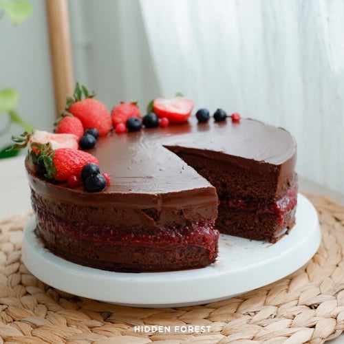 Chocolate Raspberry Cake (Top 8 Free)