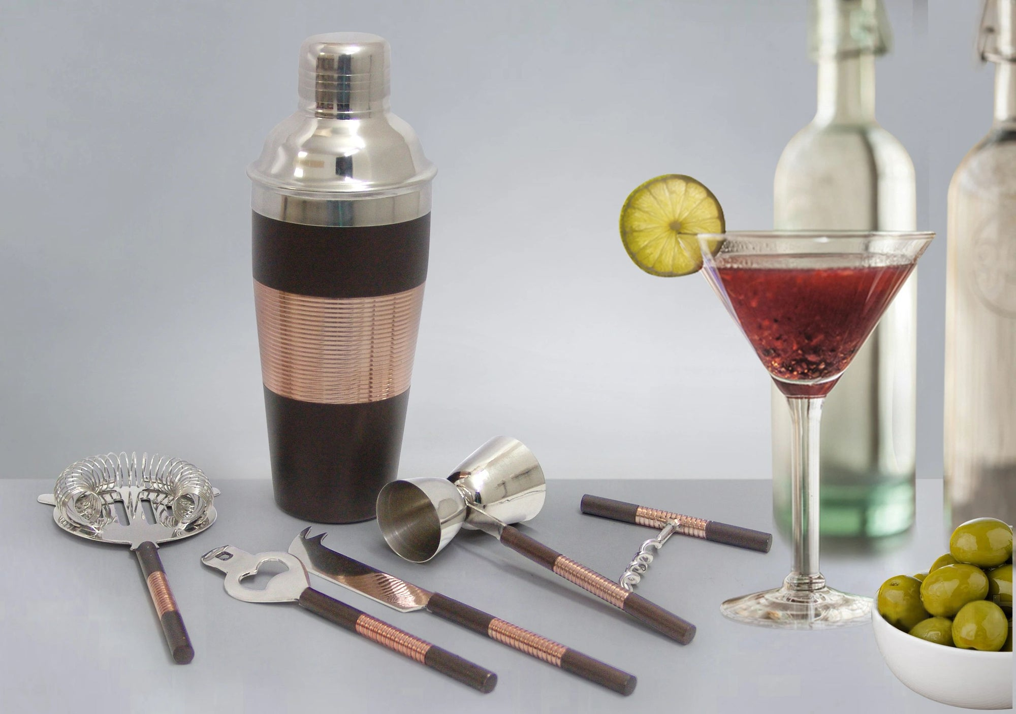 TG-CS-161CB Ribbed Cocktail shaker copper/black two tone finish