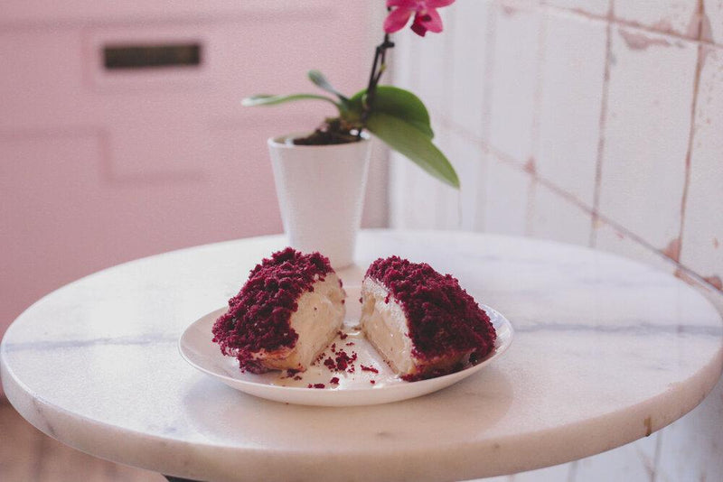 Valentines Day: Mamasons' Red Velvet Bilog