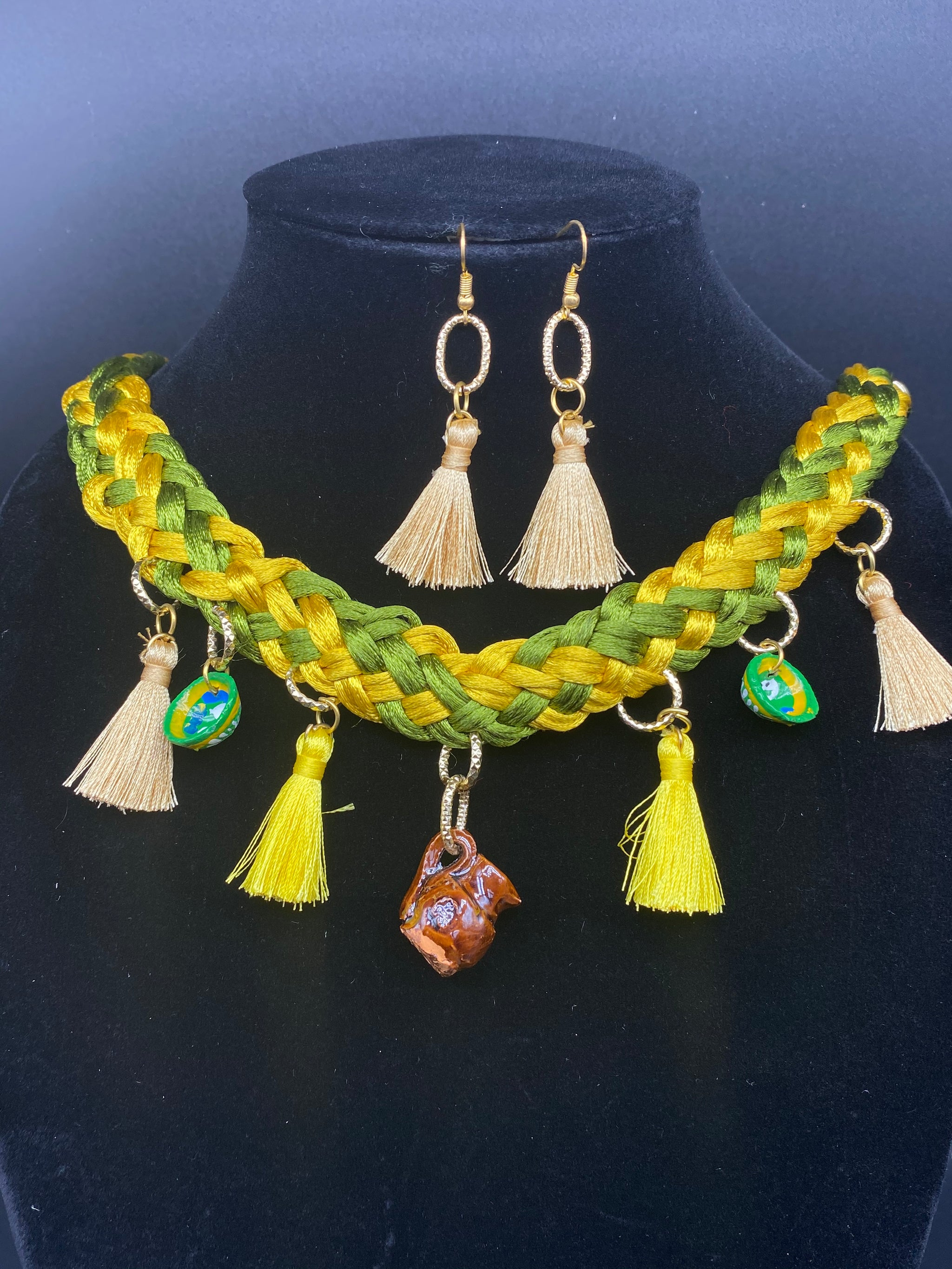 Wonderful Mexican Artisan Set of Necklace and Earrings - Corazón Clothing