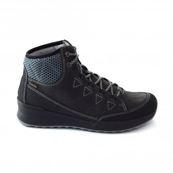 Victoria 14 Titan Lightweight hiking boot