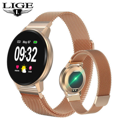 Smartwatch bracelet with full touchscreen feature in mesh rosegold