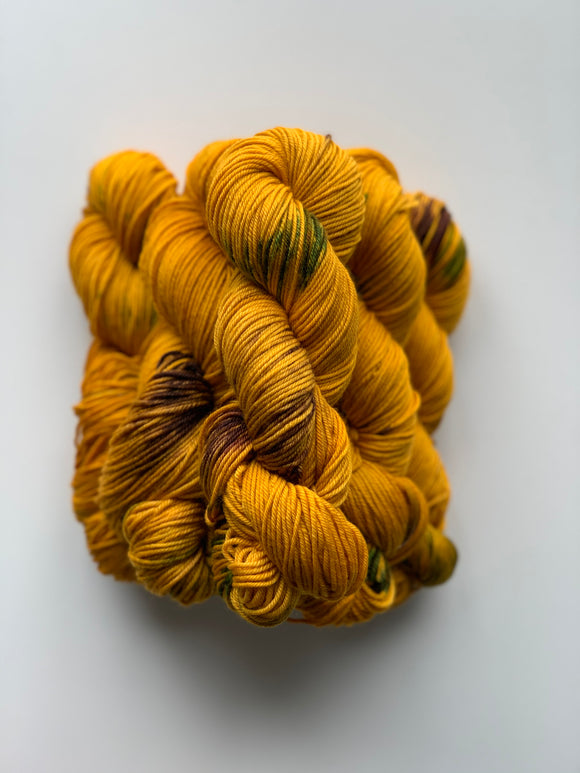 Yellow Pansy - Worsted Squish
