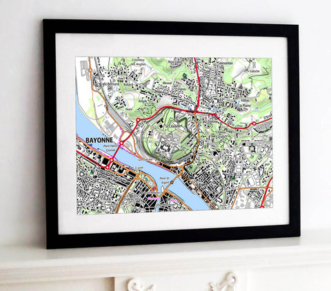Framed Map - France 1:25,000 - postcode centred - Classic Style