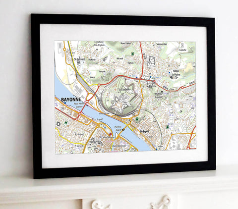 Framed Map - France 1:25,000 - postcode centred - Standard Style