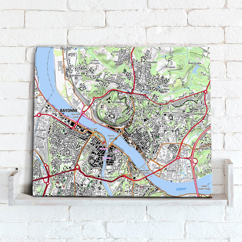 Map Canvas - France 1:25,000, postcode centred - Classic Style