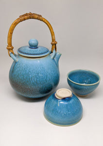 Oriental Teapot and Teacup Set | Elegant Ceramics | Asian Pottery