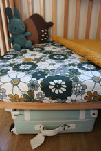 Load image into Gallery viewer, Retro Daisy Organic Cotton Bed Sheet