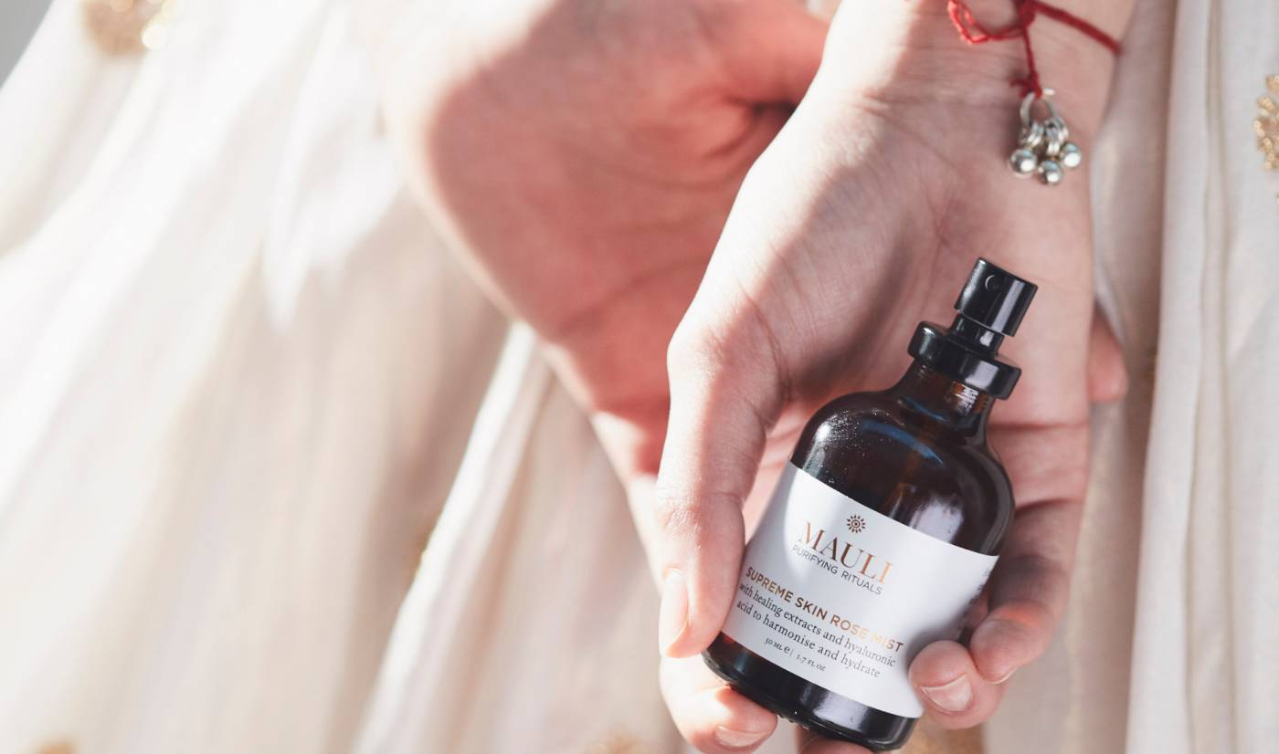 Rose mist with hyaluronic acid