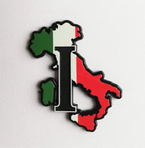 "<p>Vey nice self adhesive Italy map 3D badge.</p> <p>Measures aprox. 4x3"" (10x8cm)</p> <p>Would look nice on your classic car"
