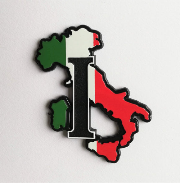 <p>Vey nice self adhesive Italy map 3D badge.</p> <p>Measures aprox. 4x3