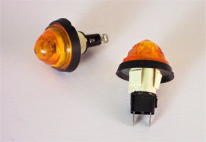 <p>Brand new pair of side/front markers (turn signal lights) that would fit a wide variety of Fiat models including 500, 600,