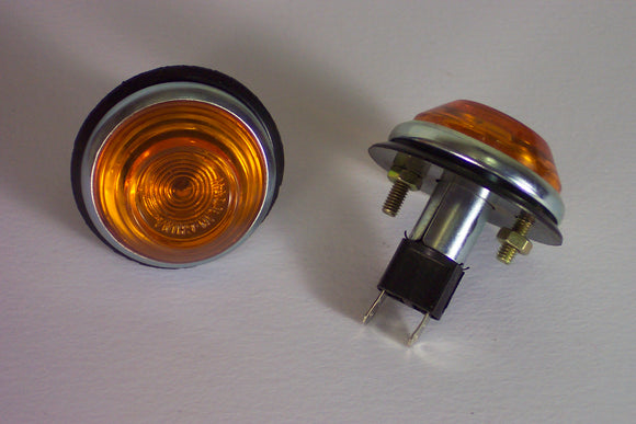 <p>Brand new pair of side/front markers (turn signal lights) that would fit a wide variety of Fiat, Lancia, Ferrari, Maserati