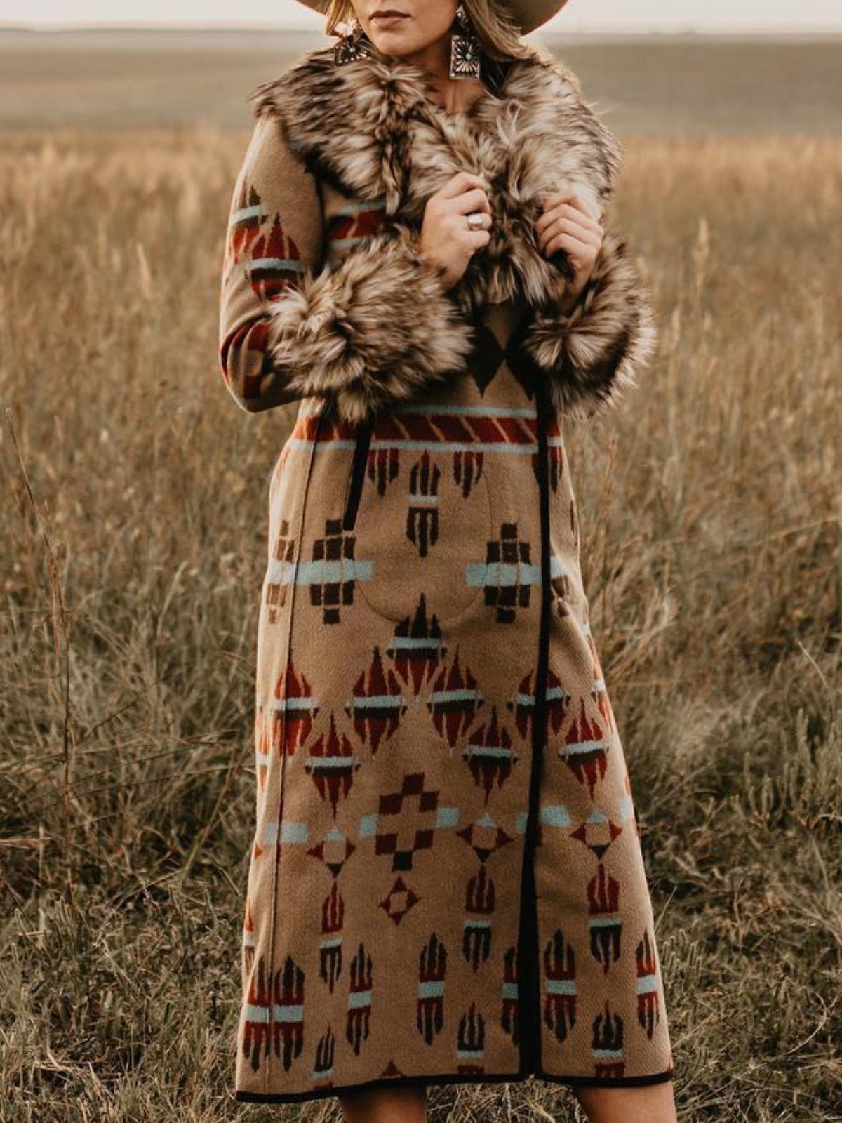 Camel Knitted Long Sleeve Printed plus size Outerwear