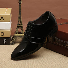 Load image into Gallery viewer, 2020 Designer Wedding Shoes Man Leather White Oxford Shoes For Men Formal Mariage Mens Pointed Toe Dress Shoes Sapatos Masculino - DivaJean