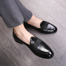 Load image into Gallery viewer, M-anxiu 2020 New Design Gradine Color Wingtip Formal Shoes Men Pointed Toe Casual Wedding Party Liesure Dress Shoes - DivaJean