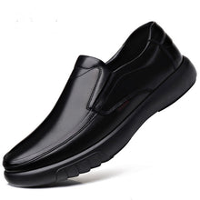 Cargar imagen en el visor de la galería, 2020 Newly Men's Genuine Leather Shoes Size 38-47 Head Leather Soft Anti-slip Driving Shoes Man Spring Leather Shoes - DivaJean