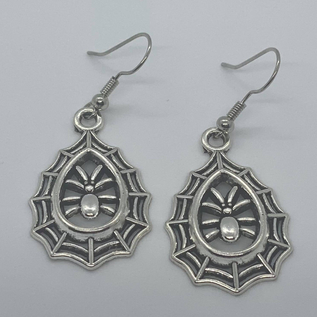Medium Spider Web Earrings