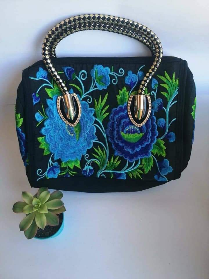 Embroidery drum bag