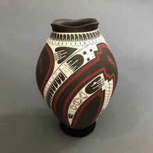 Load image into Gallery viewer, Mata Ortiz Handbuilt and Burnished Low Fire Pottery