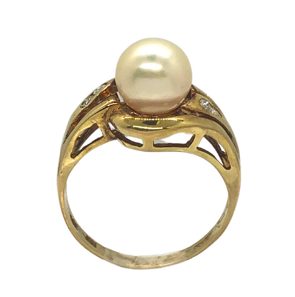 14k Gold Pearl and Diamond Ring